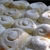 Рецепт: Плюшки и пироги из дрожжевого теста на манке